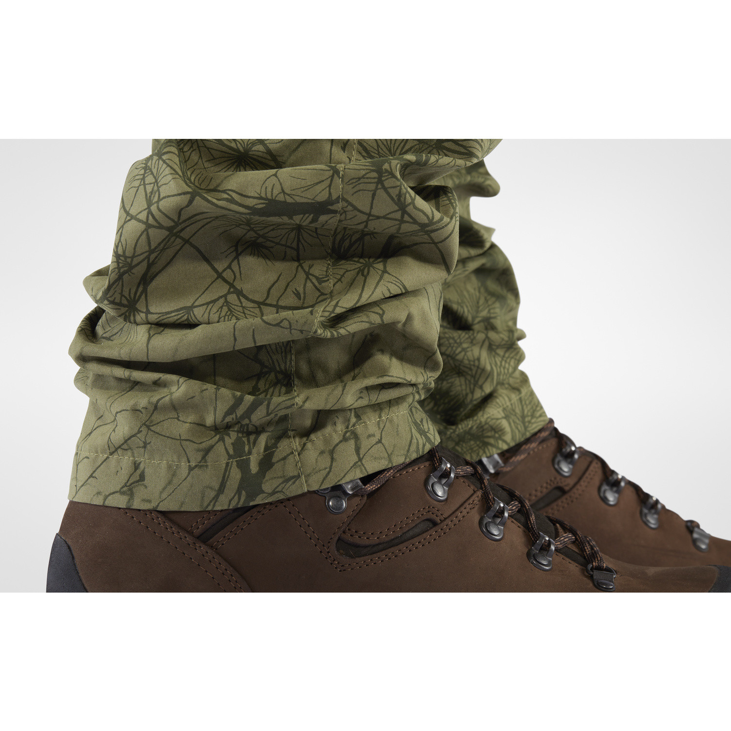 Fjällräven Barents Pro Hunting Trousers M Green Camo-Deep Forest-4