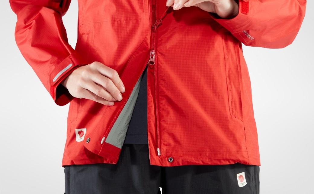 Fjällräven High Coast Hydratic Jacket W True Red-6