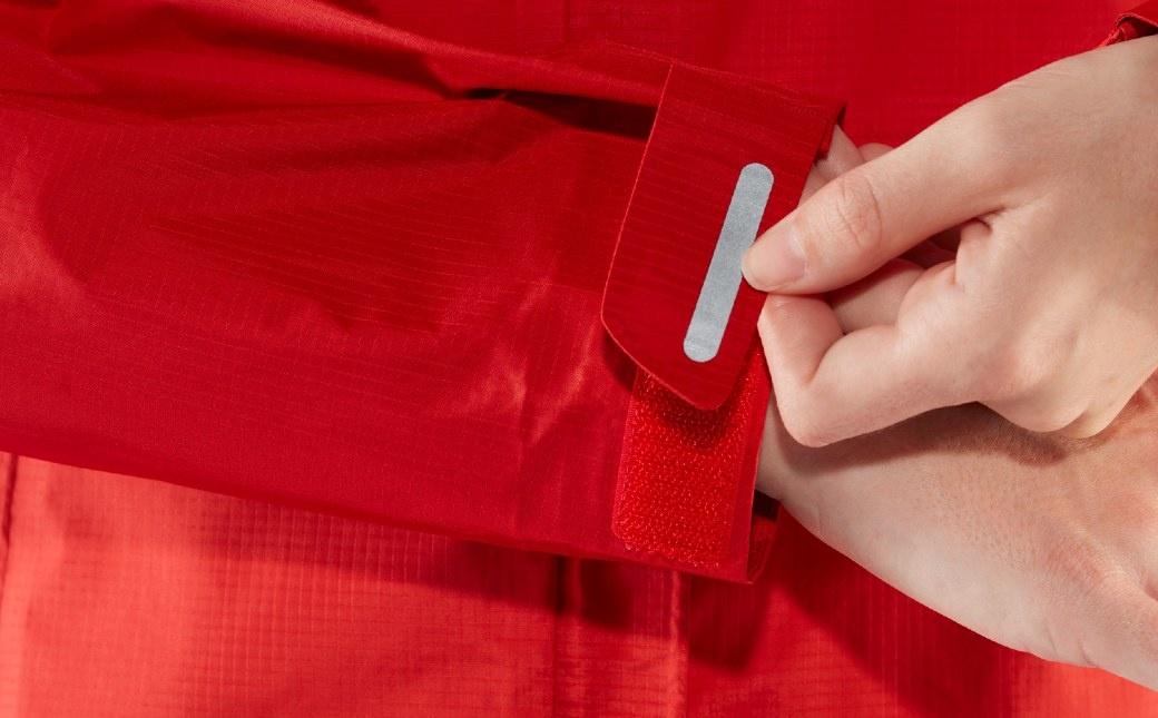 Fjällräven High Coast Hydratic Jacket W True Red-11