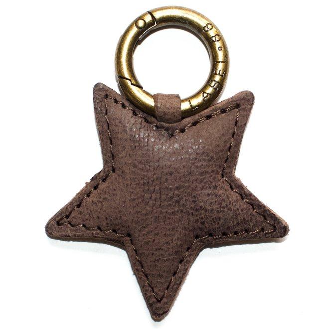 Star S keychain, brown