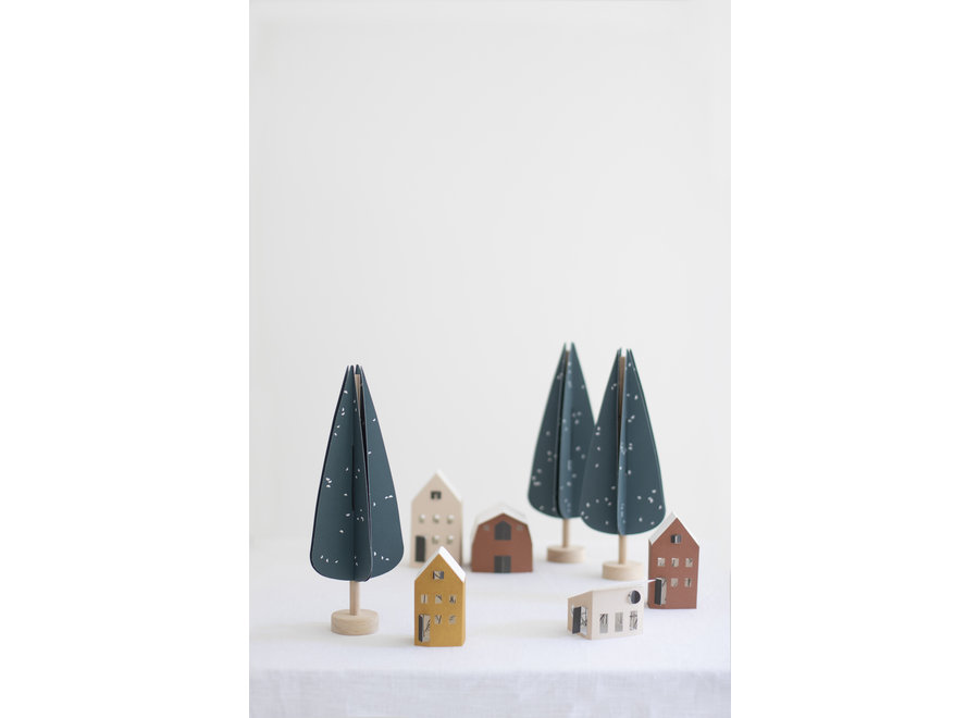 Juriannen Matter - CYPRESS tree