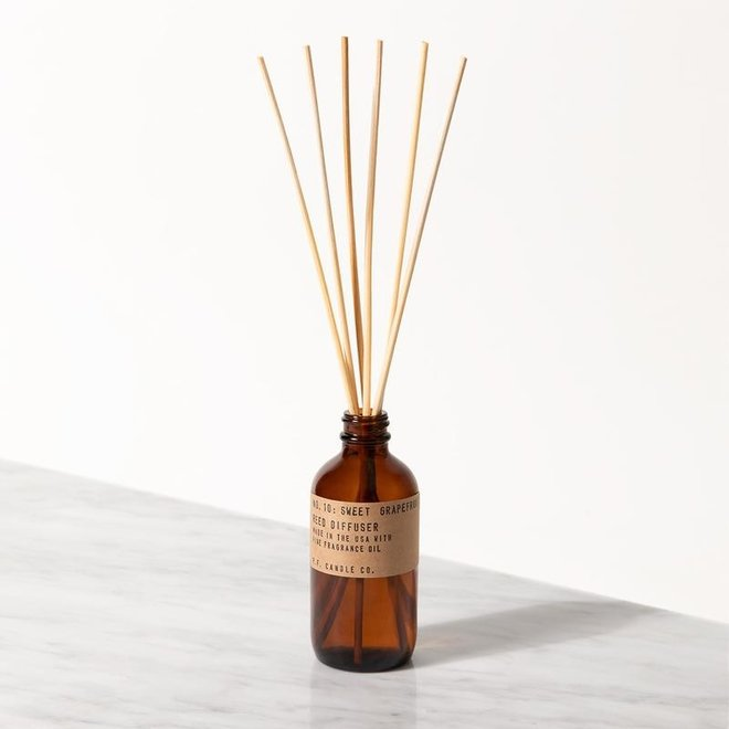 PF Candle - NO. 10 Sweet Grapefruit diffuser