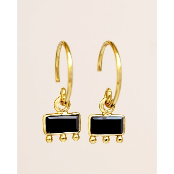 oorbellen - hanging black agate bar with three dots gold pla