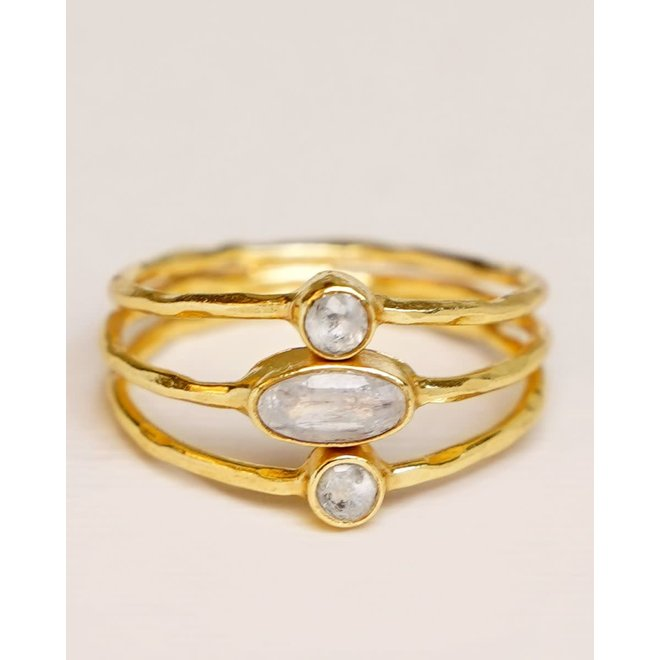 Muja Juma - ring - size 52 white mst mono stones on triple band gold p