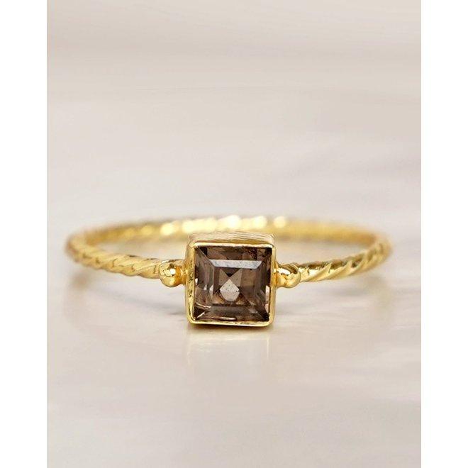 Muja Juma - Ring - size 54 smokey q. square hammered gold pl.