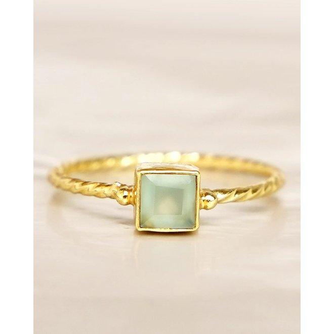 Muja Juma - Ring - size 56 prenite square hammered gold pl.