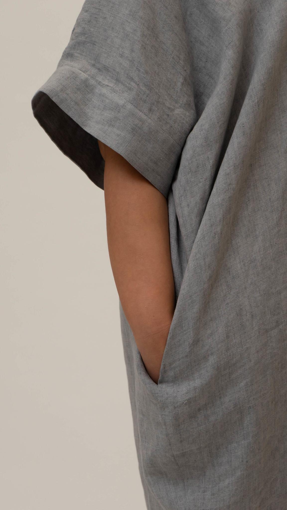 NADINE Kleid aus Leinen-3