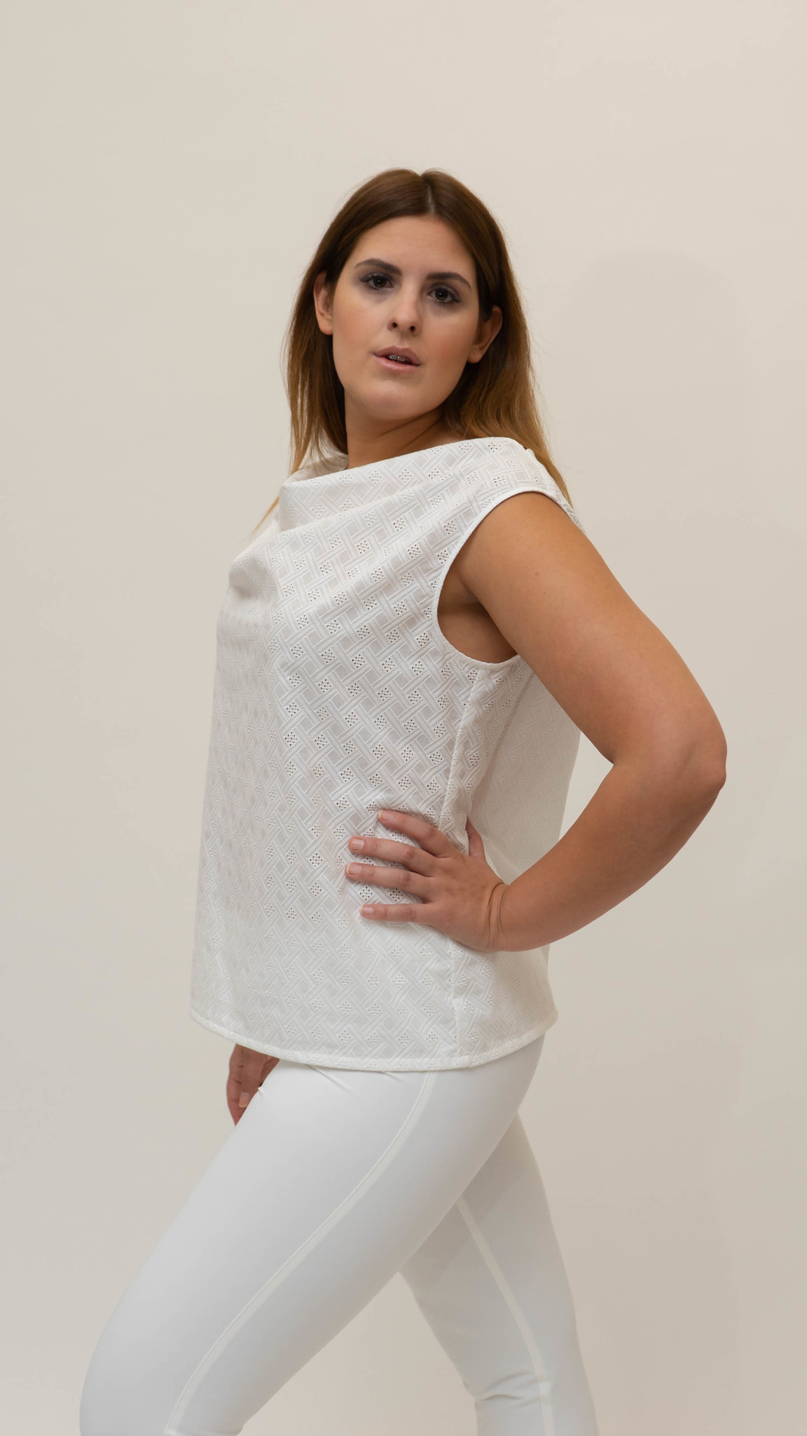 Lolita Sleeveless Top in embroidered Cotton-5