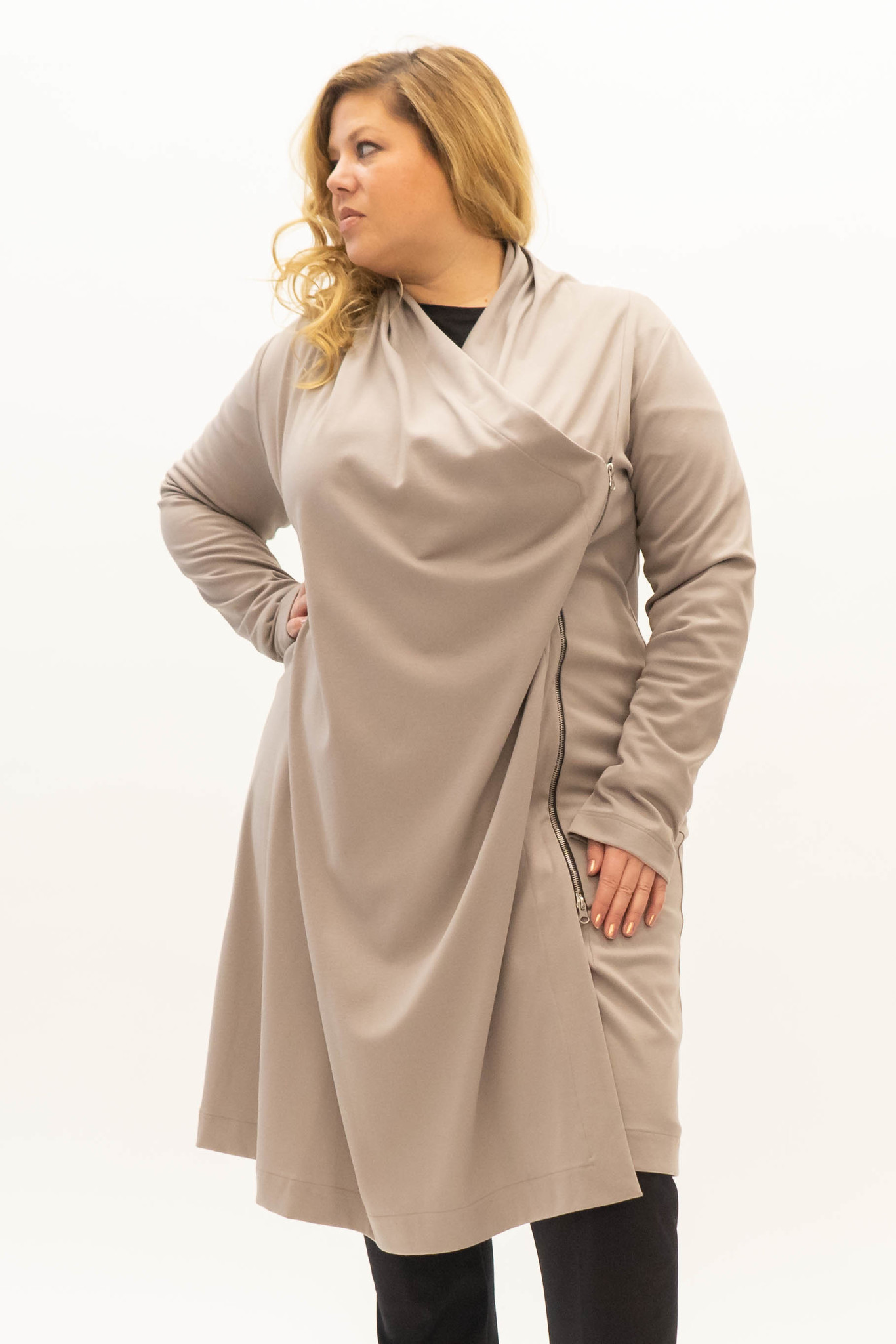EMINE Jacket in heavy Viscose-Jersey-1
