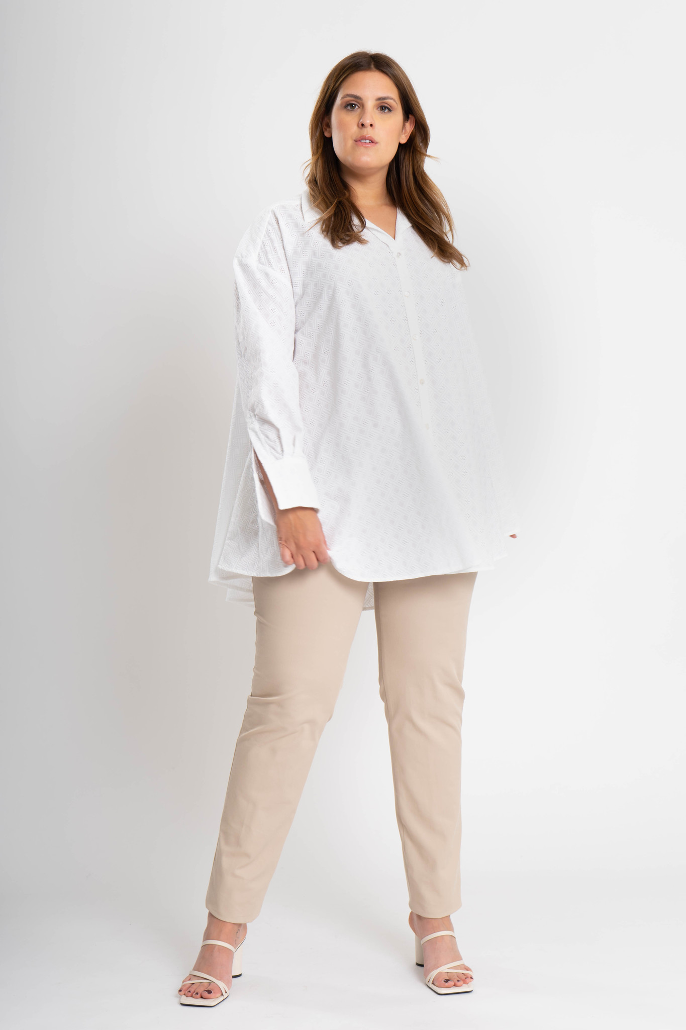 ANDREA Blouse in embroided Cotton-2