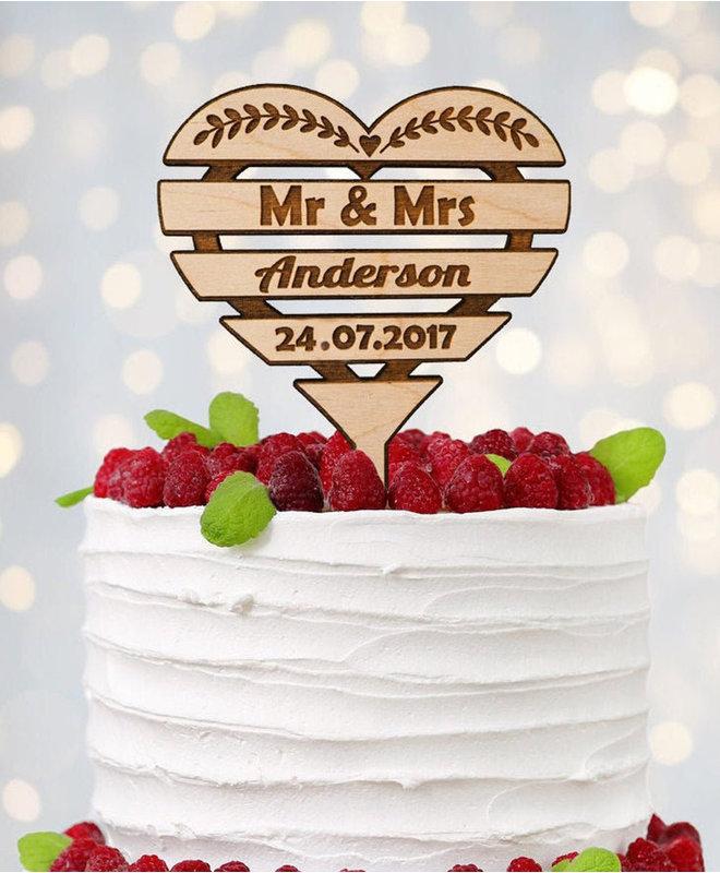 Taarttopper Bruiloft - Mr & Mrs in hartvorm Hout