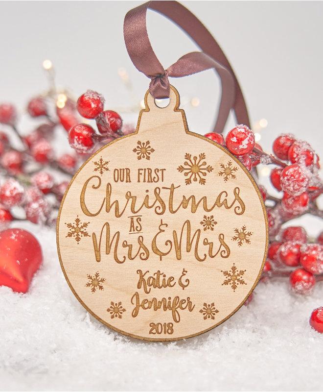 Houten Kerstbal - First Christmas as Mrs & Mrs