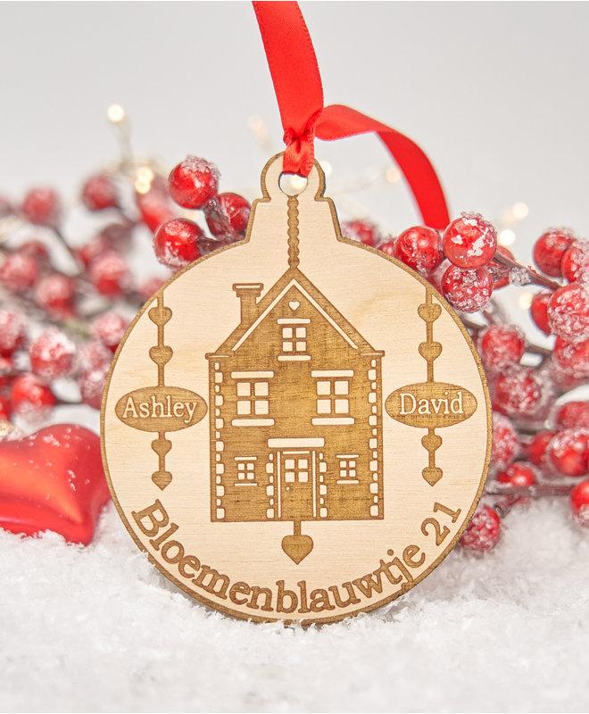 """Houten Ornament """"Huisje met Adres en Namen"""""""