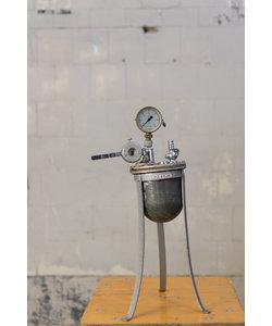 Oude drukmeter pomp