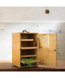 Oud houten opbergkastje