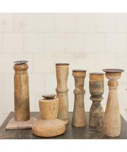 Indiase houten kandelaar 'S'