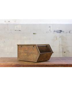 Oude magazijnbak - Rusty