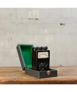 Oude volt-en ampèremeter