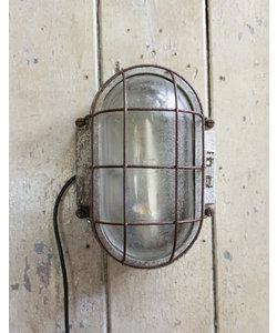 Stoere wandlamp 'Raw green'