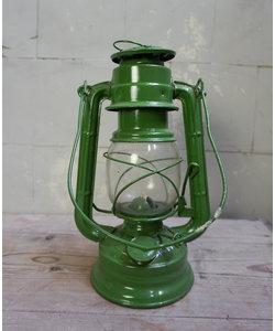 Vintage petroleumlampje / stormlantaarn lichtgroen