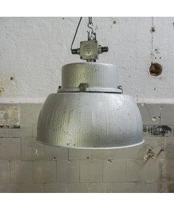 Oude fabriekslamp 'Borek'