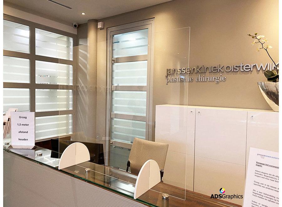 Plexiglas scherm staand met uitsparing - ECHT DIRECT LEVERBAAR