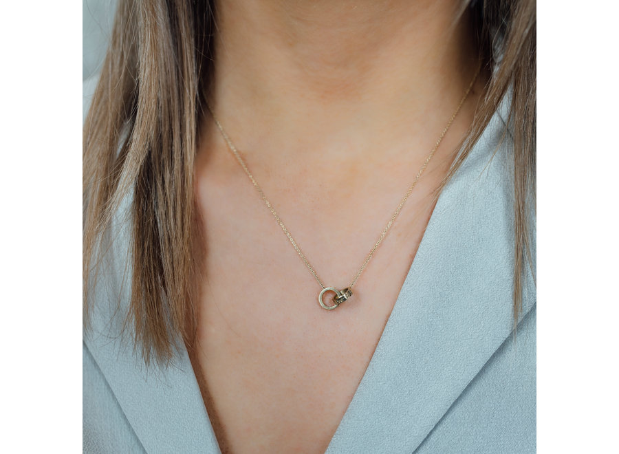 Iconic Necklace Double Open Circle with Engraving