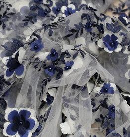 Nooteboom Coupon Voile structuur met broderie en parels wit en blauw 50x120cm