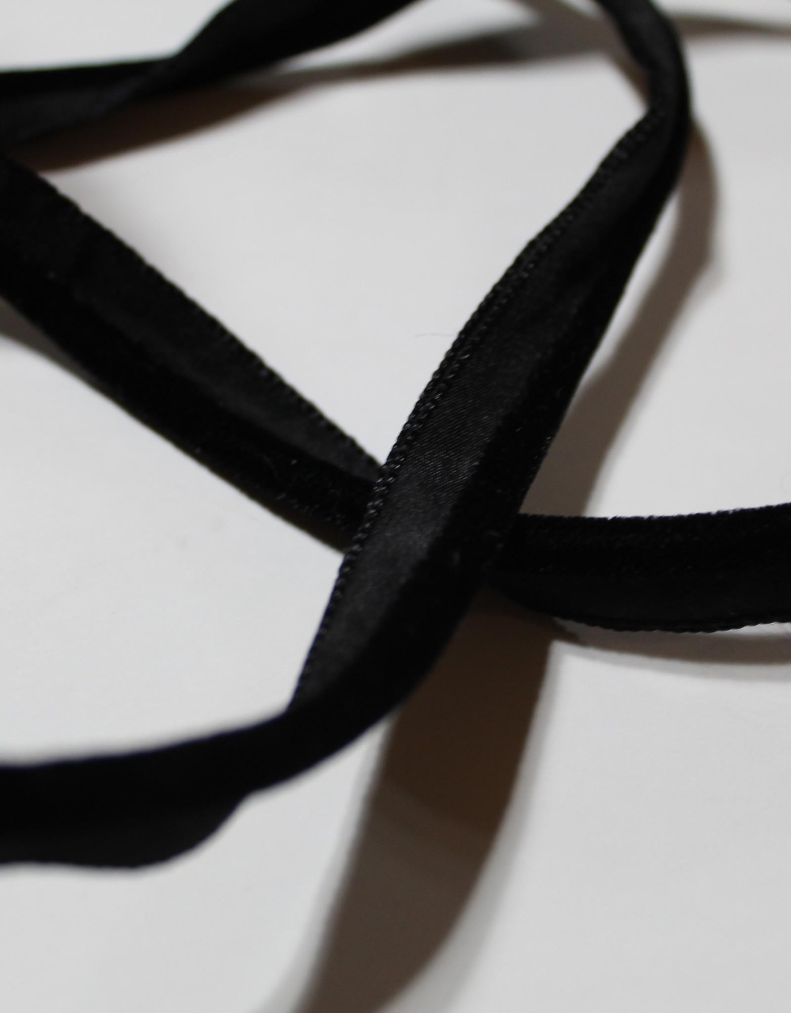 Paspel velours zwart col.233