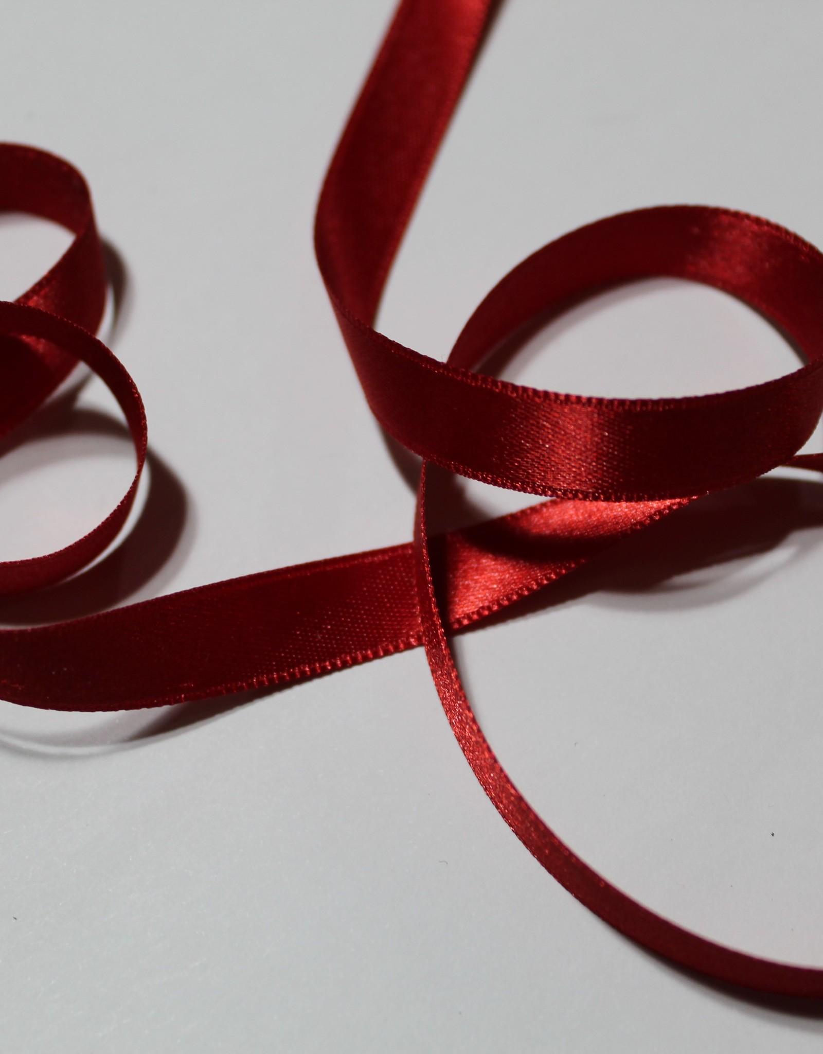 Dubbelzijdig satijnlint 10mm rood col.722