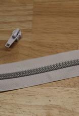 1m metallic rits aan de meter 6mm : wit met zilver (incl. 3 schuivers)