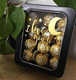 Gepersonaliseerde blikken doos met venster zwart gevuld met Ferrero Rocher
