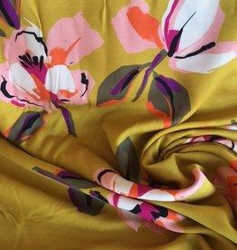 COUPON 90x150 cm Viscose geel met kleurrijke tulpen
