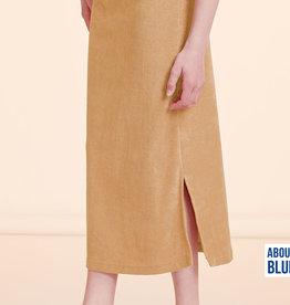 About Blue Fabrics Uni 20 Indian Tan Sponge