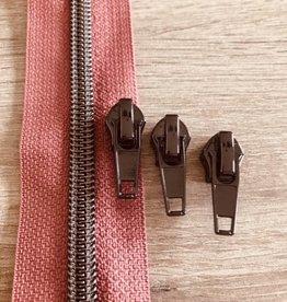 1m metallic rits aan de meter 6mm : oudroze met nikkel (incl. 3 schuivers)