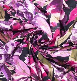 Stretchkatoen zwart met paarse bloemen