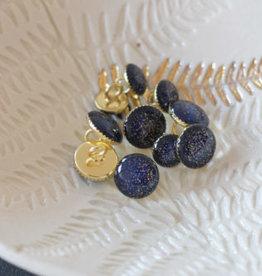 Lise Tailor Sierknoopje marine blauw glitter goud in gouden capsule 11mm