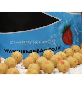 Urban Bait Urban Bait Strawberry Nutcracker Boilies 1kg