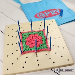 Opry Granny Square Spanner