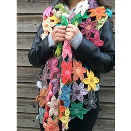 Caro's Atelier Häkelanleitung Florida Flower Schal (digital)