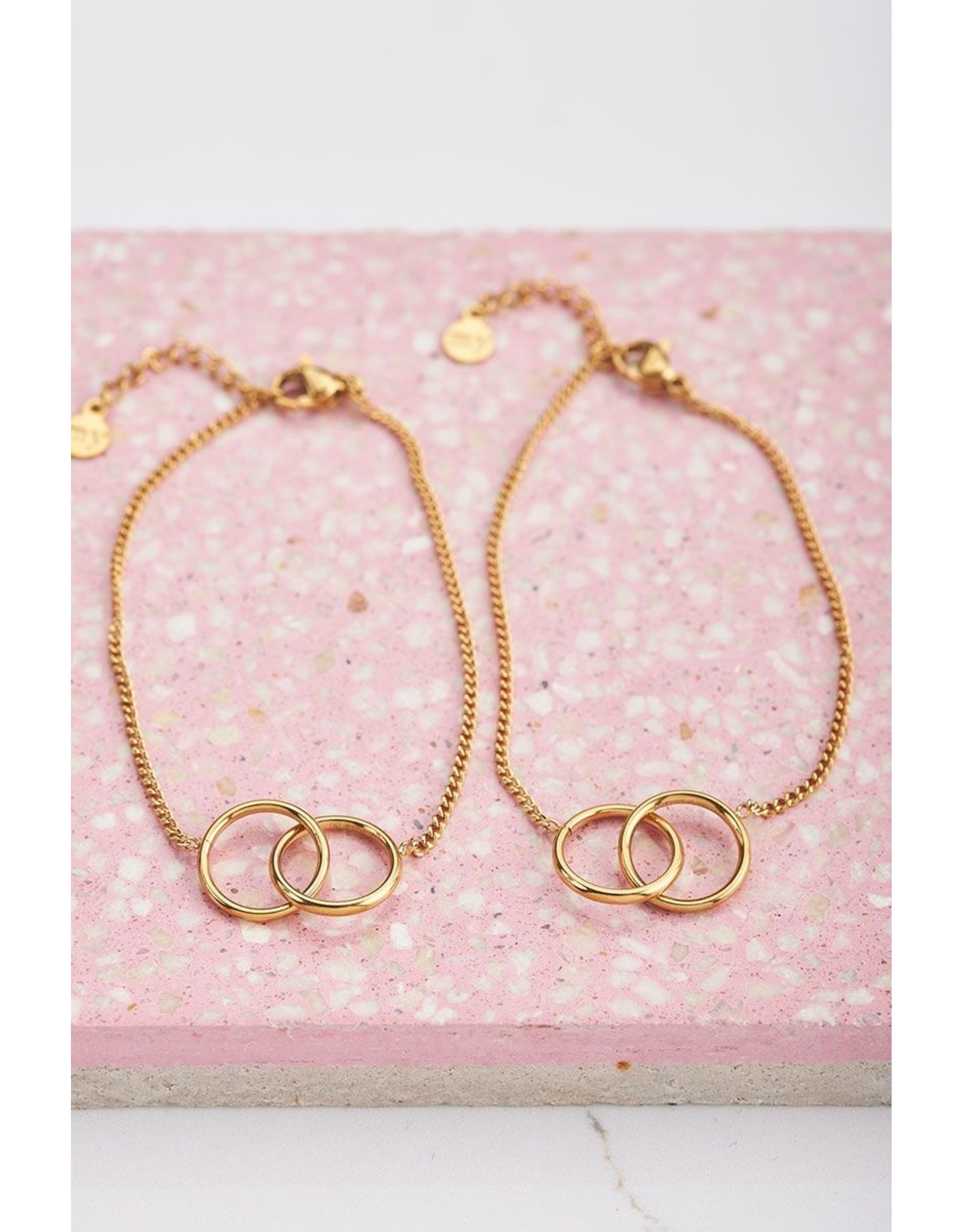 Armbandjes forever connected goud