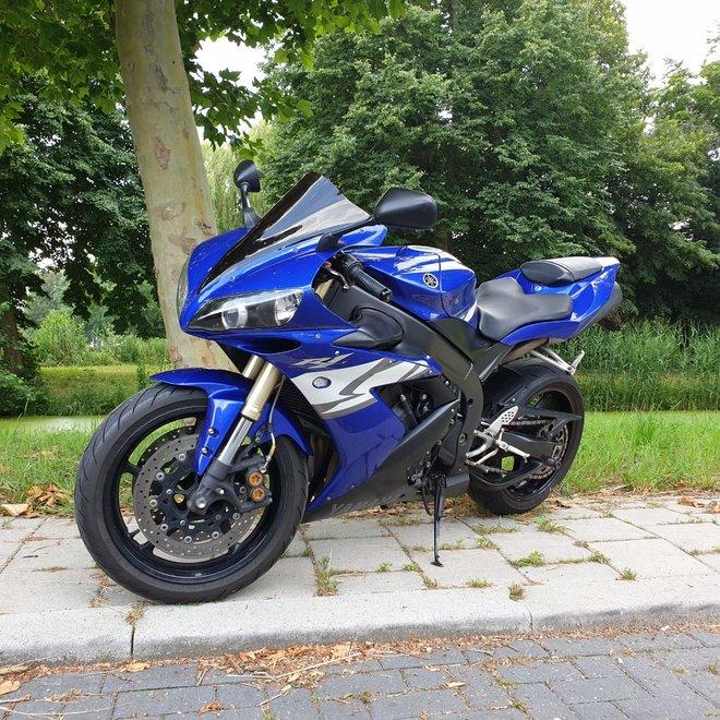 Yamaha YZF R1 2004  (verkocht)