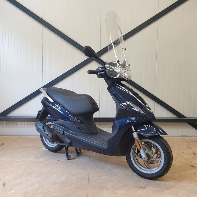 Piaggio Fly bromscooter