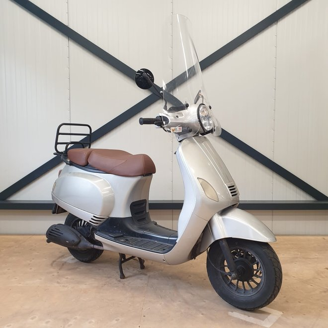 Turbho RL50 snorscooter
