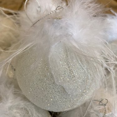 Level 1 Accessories White Feather Bauble