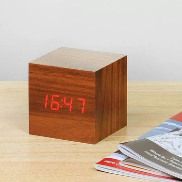 Level 1 Accessories Cube Walnut Click Clock / Red LED