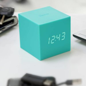 Gravity Cube Green Click Clock