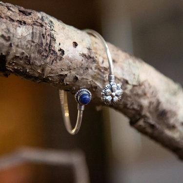 India - Jewellery & Gifts Lotus Flower &  Blue/Purple Stone Bracelet