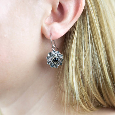 India - Jewellery & Gifts Silver Flower and Onyx Earrings