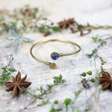 India - Jewellery & Gifts Lotus Leaf & Blue Stone Bracelet